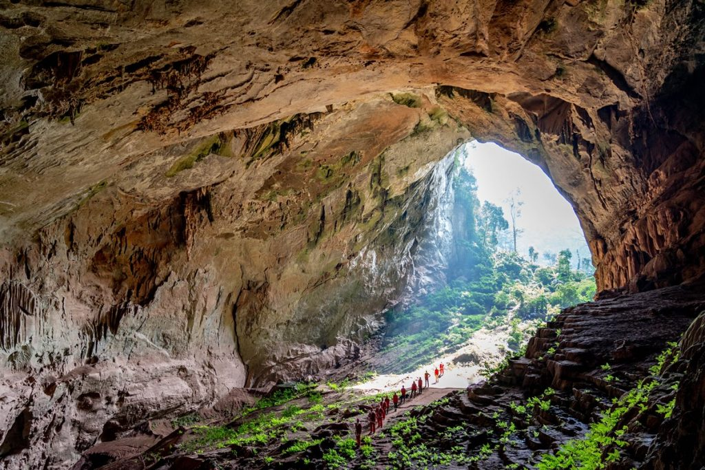 Top 10 caves in Phong Nha that will blow your mind away - Jungle Boss Tours